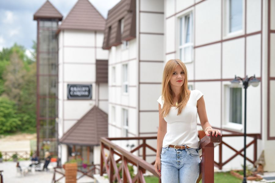 Brief Interview: Vesna Kostadinović, Owner and GM at the Kraljevi Čardaci Hotel – Kopaonik